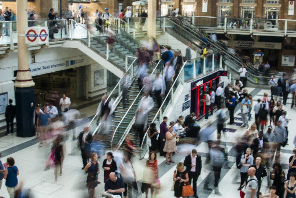 London ludzie, pierwsze wrazenia